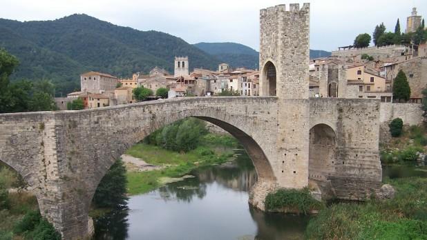 puente-Besalu-1.jpg